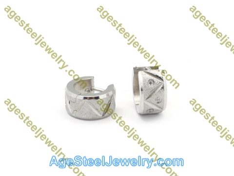 Cutting Earring E2781 With Three Stone